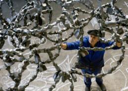 """""""Inteligencia emocional"""" (2009) Hierro macizo. 400 x 400 x 400 cm"""