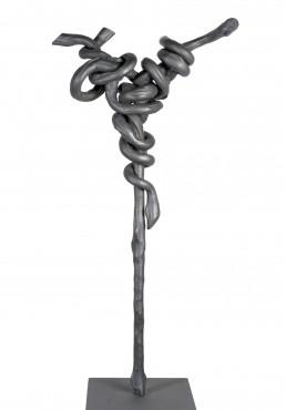 "La tentación"" (2009) Hierro macizo. Peana de hierro. 120 x 55 x 30 cm"